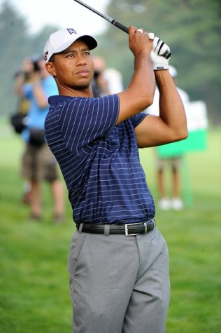 Tiger Woods Recovering From Car Accident
